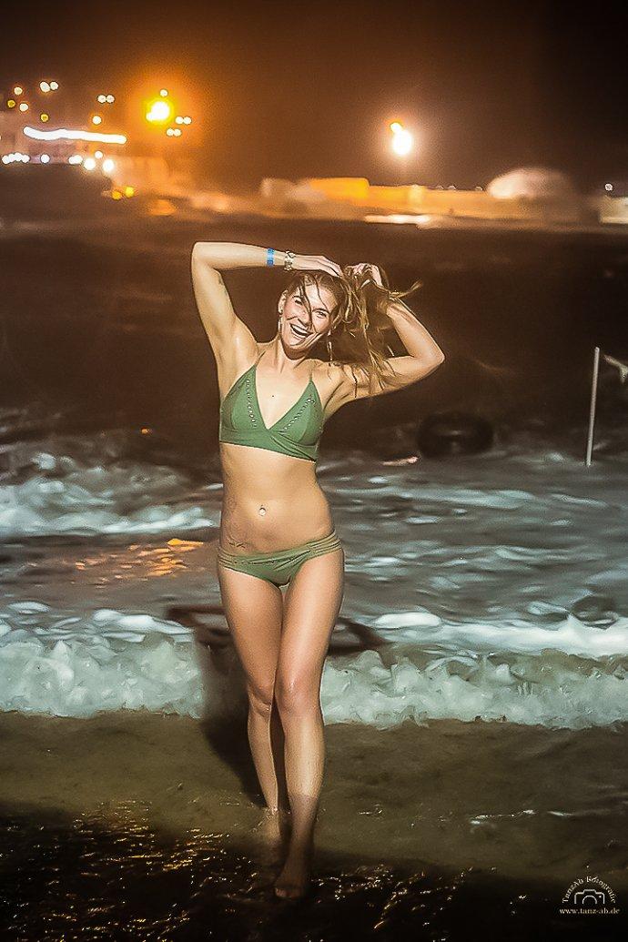 Steffi TanzAb im Bikini